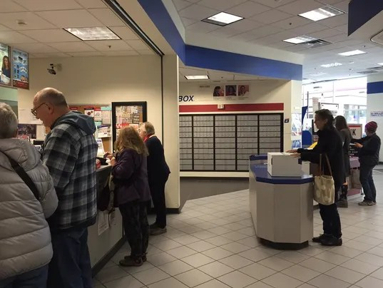 Mail Those Cards Now Post Office Deadline Is Near