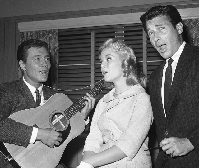 Roger Smith From Left Carolyn Komant And Efrem Zimbalist