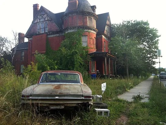 Only Lovers Vampires Called Old Detroit Mansion Home