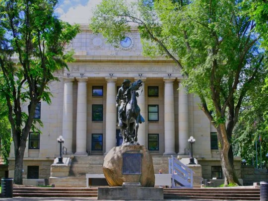 Courthouse Plaza in Prescott hosts the Phippen Museum