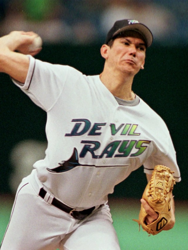 There's nothing quite like the purple-blue-green-yellow rainbow logo of the 1998 Tampa Bay Devil Rays.