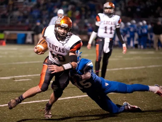 Football: Cubs' offense working over opponents