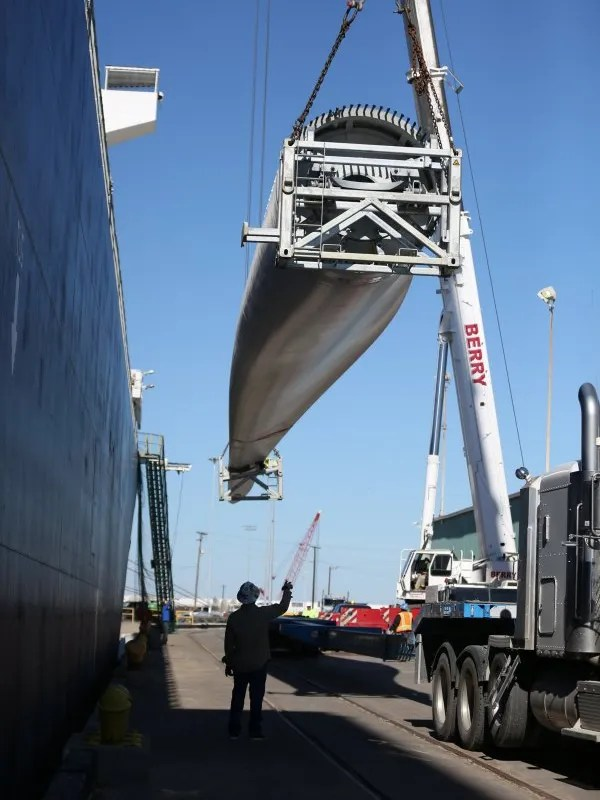 Rachel Denny Clow/Caller-Times file Wind turbine pieces are unloaded from a ship in the Port of Corpus Christi late last year. A total of 99,300 tons of wind energy-related equipment and materials passed through the port last year, compared with 57,000 tons in 2014 and 21,000 tons in 2013.