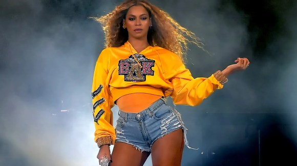 """Beyonce dropped a surprise live album of her legendary 2018 Coachella performance along with documentary """"Homecoming."""""""