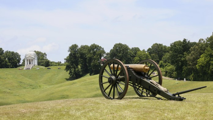 People have reported hearing cannon fire, horses and screams of the wounded at Vicksburg National Military Park. Some have reported smelling smoke and gunpowder.