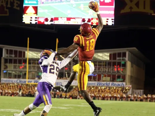 Freshman WR makes headlines with highlight-reel catch