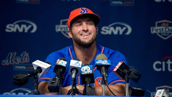 Tebow to speak at fundraiser in Melbourne
