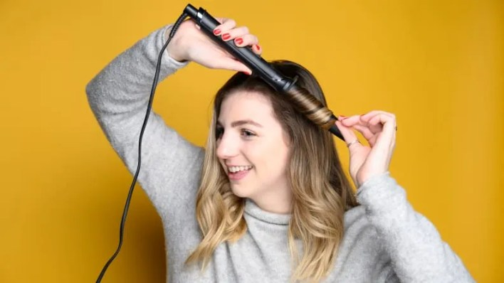 Best gifts for women: GHD Curve Creative Curl Wand