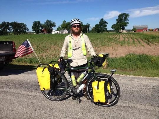 Iraqi vet stops in Manitowoc during cross-country bike ride