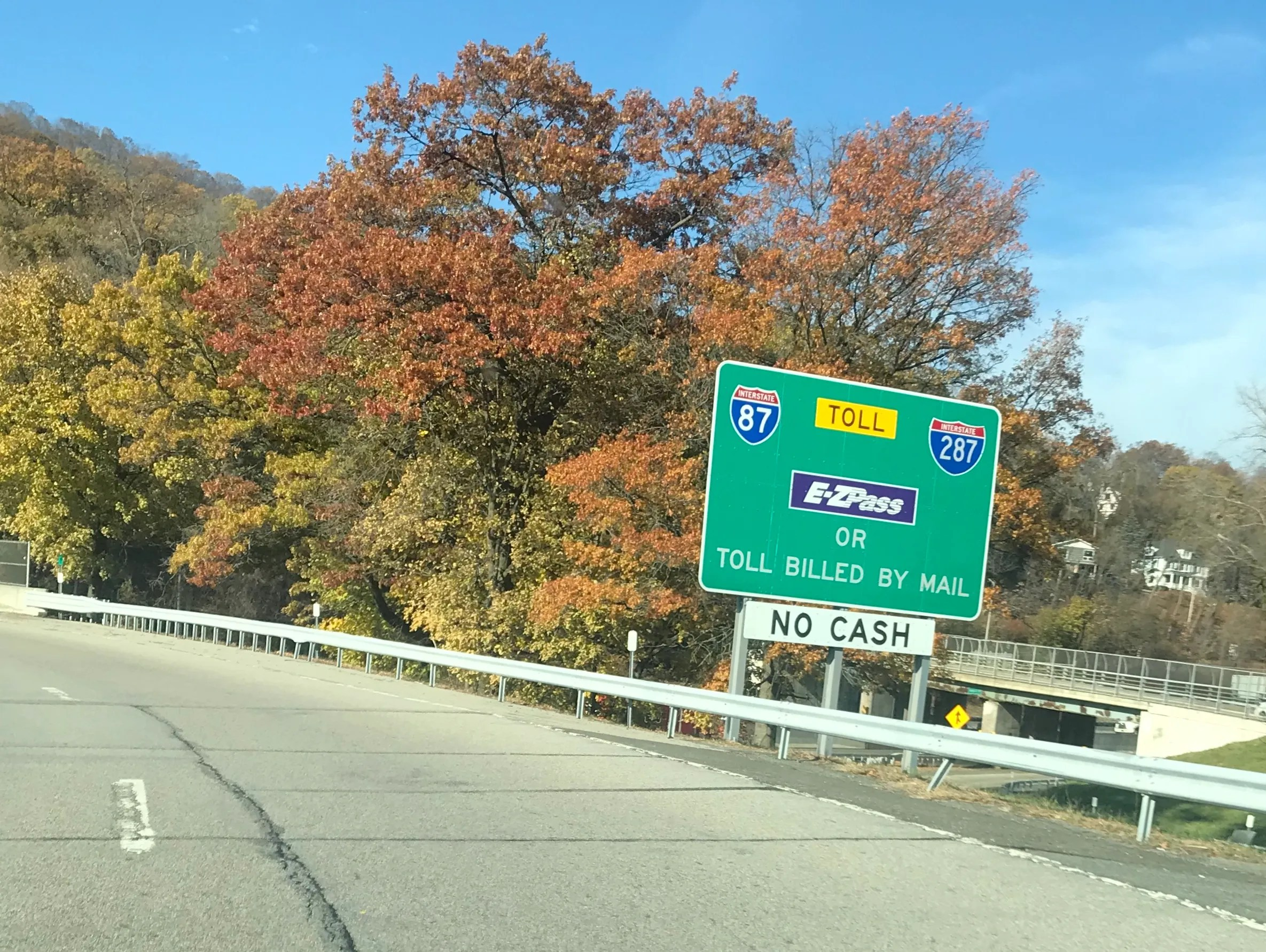 New York State Thruway must make Tappan Zee e tolls easier to pay A sign on the South Nyack eastbound Thruway entrance