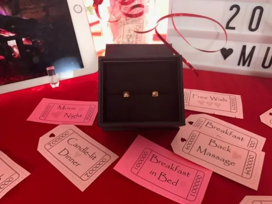 Maison Miru's free crystal stud earrings are one of