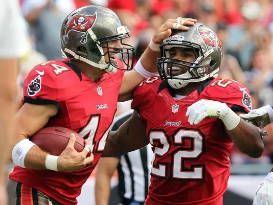 Buccaneers climb above .500 after beating Chargers for ...