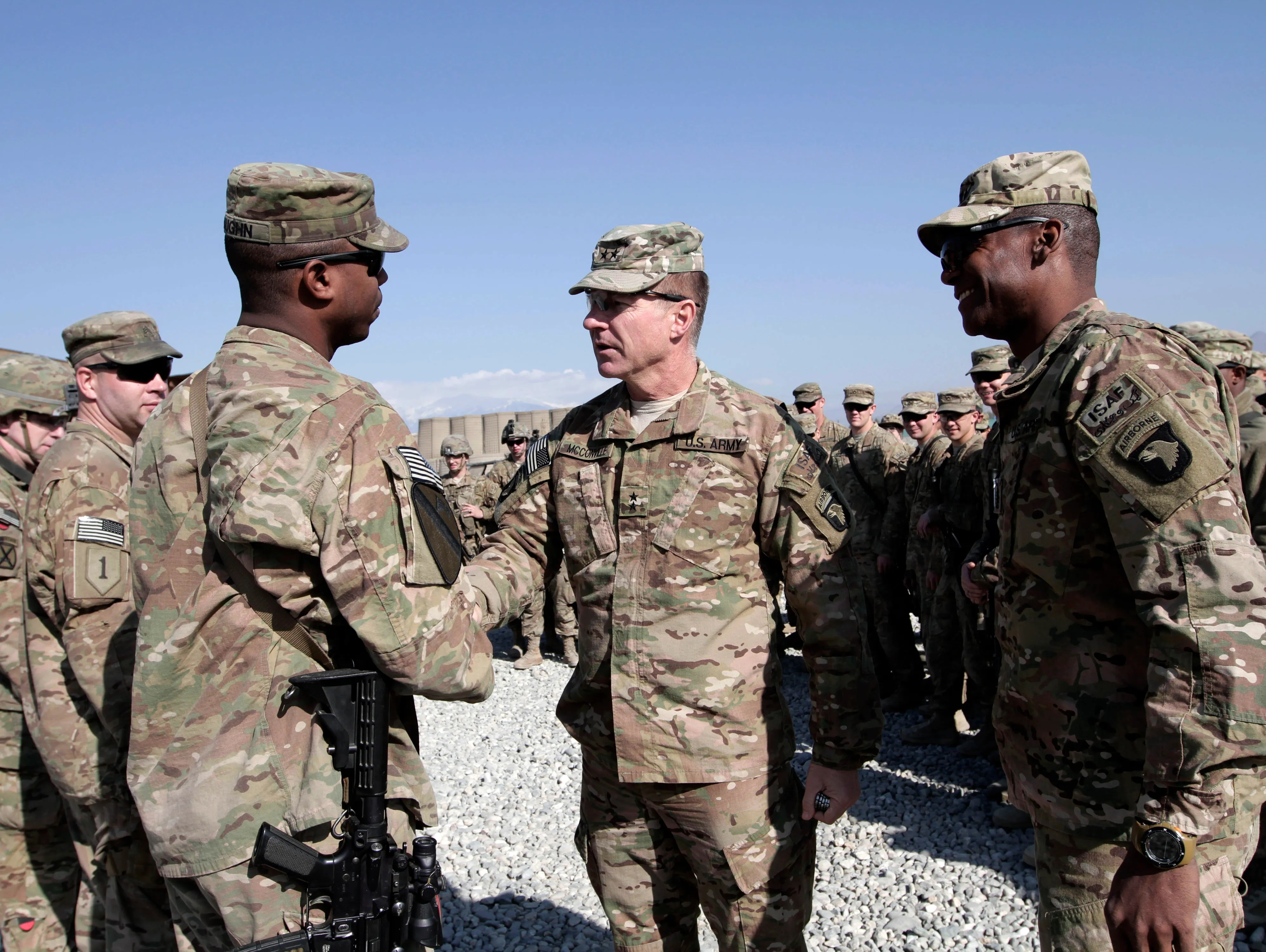 Army tries to boost number of minority officers