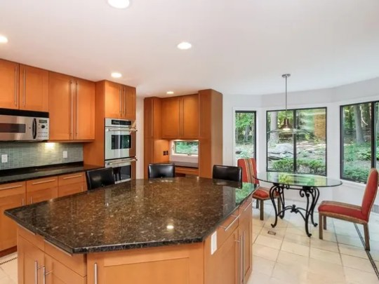 7 Stone Hollow Way, Armonk interior