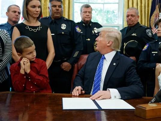 Phoenix police, Glasser family at White House