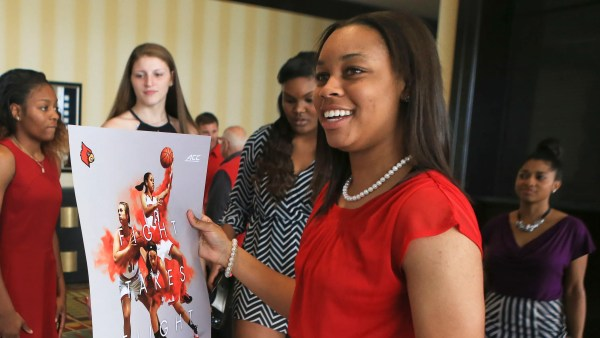 Louisville basketball's Asia Durr to play through pain ...