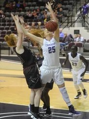ACU mauls McMurry women in exhibition basketball game