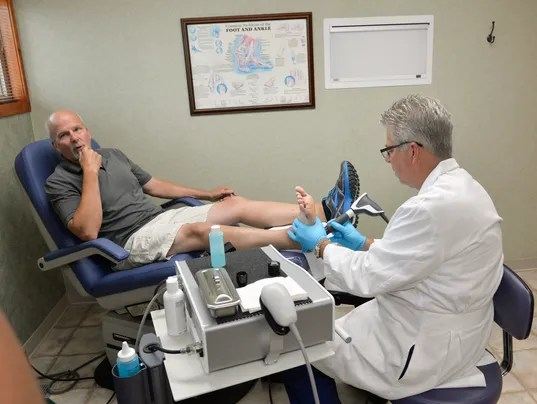 636052358778407418-0729-Shockwave-Therapy-5.jpg