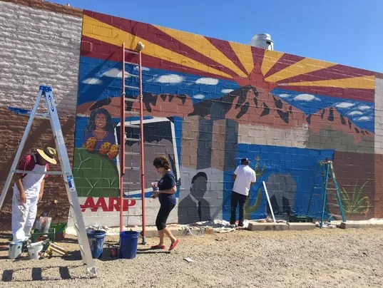 Latinos mural