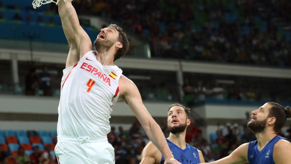 Spain tops France to advance to men's basketball semifinals