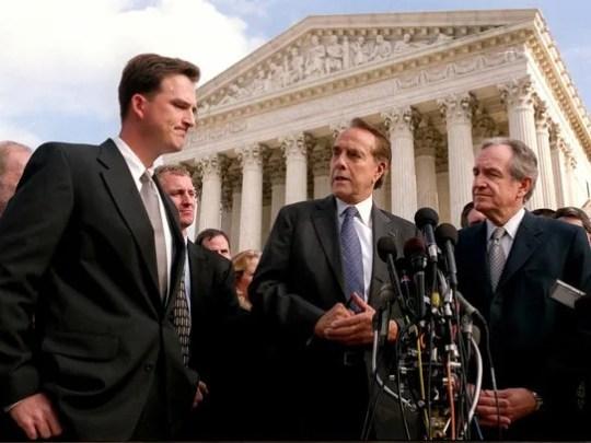Martin spoke alongside former U.S. Senators Robert