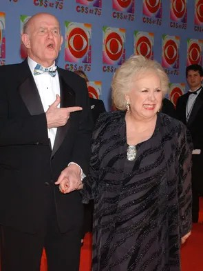 Peter Boyle and his TV wife Doris Roberts from 'Everybody