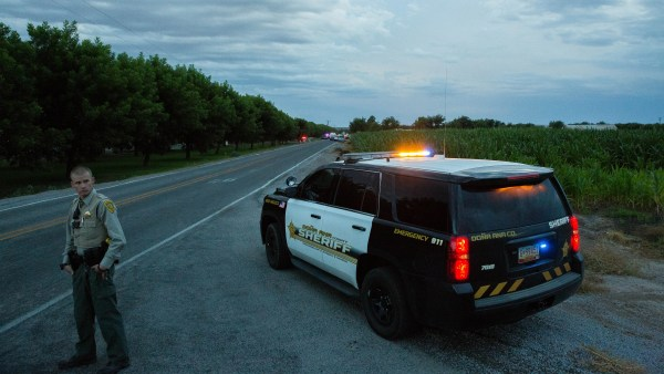Car chase through Las Cruces ends with crash, one detained