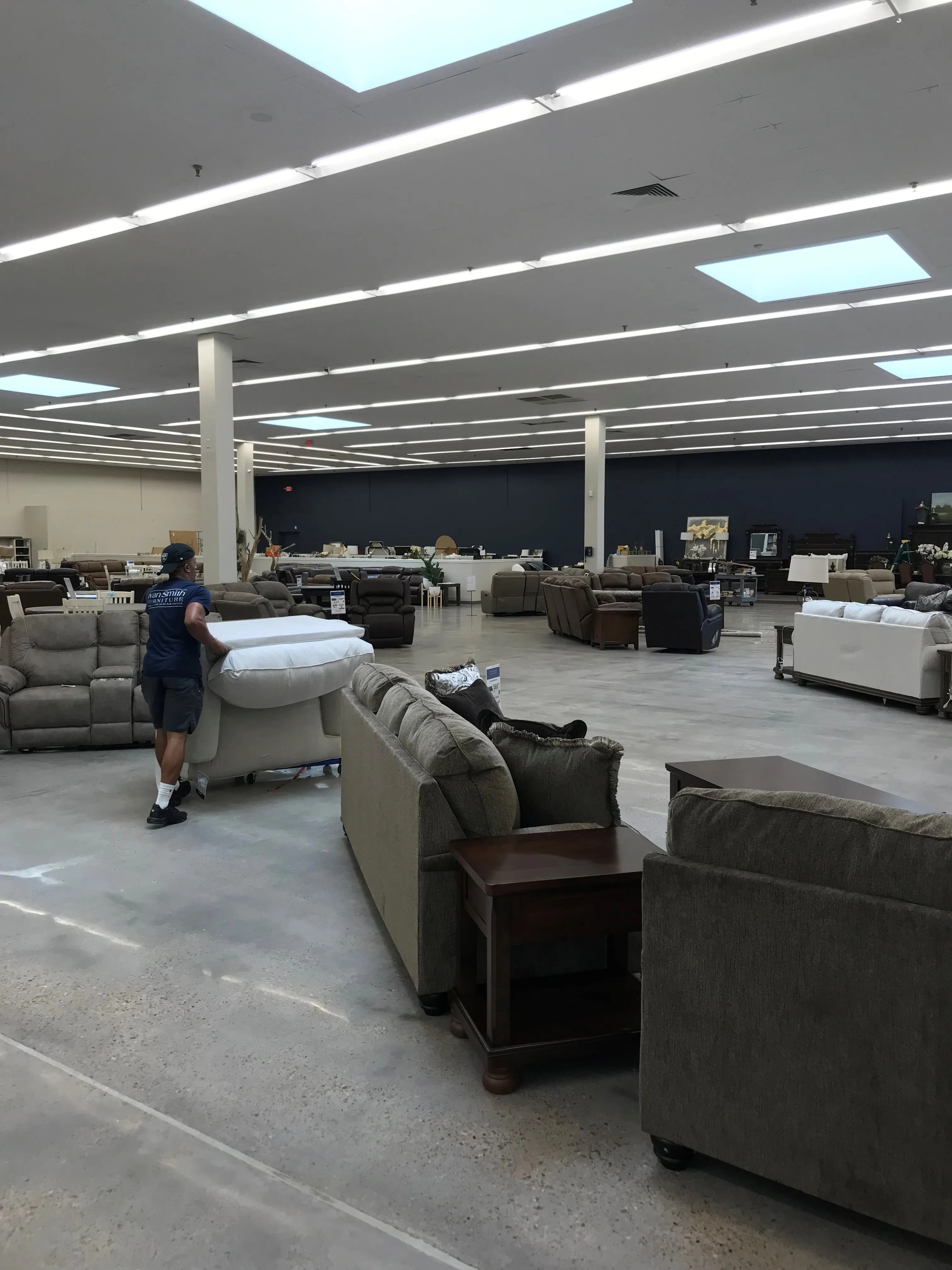 Ivan Smith Furniture To Open Its Largest Shreveport Store