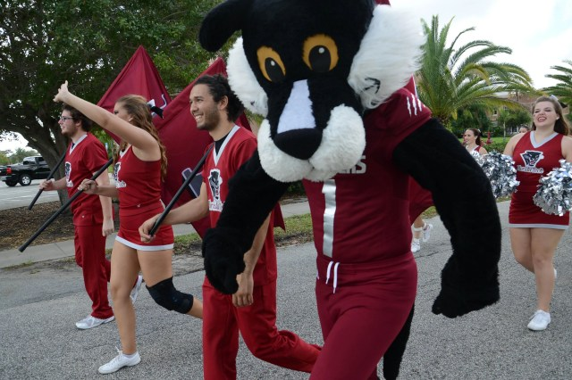 B9319599956Z.1_20151107165634_000_G2MCG3VEU.1-0 Entertainment best bets: Florida Tech's Homecoming, surfing competition, aviation for girls