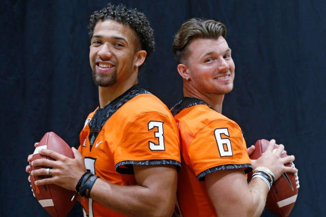 Oklahoma State not announcing a starting QB before opener