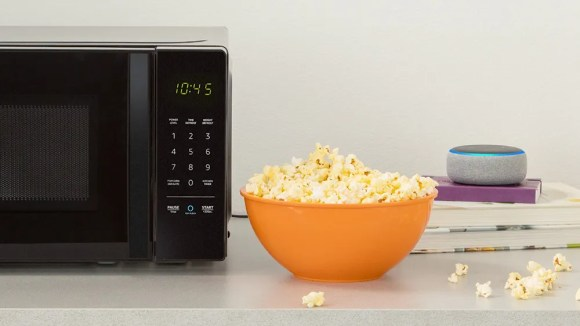AmazonBasics' smart Microwave has a button to connect with a nearby Echo.