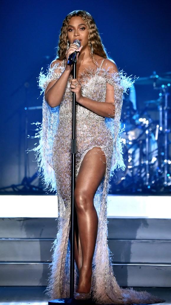 Beyonce Stuns at the City of Hope Spirit of Life Gala