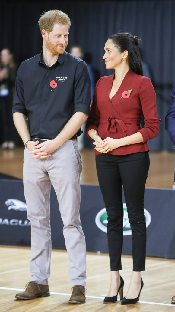 The Duke and Duchess exchanging glances at the Wheelchair Basketball Gold metal match at the Invictus Games Sydney 2018.