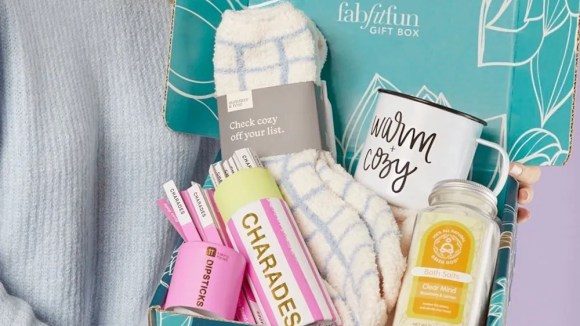 This quarterly box delivers premium lifestyle products.