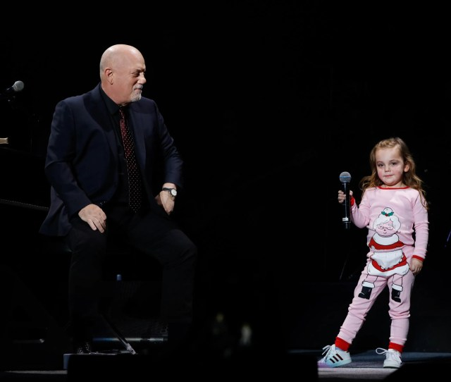 Della Rose Joel Age  Joins Her Father Billy Joel Onstage For A Duet