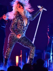 """Lady Gaga performs """"Shallow"""" at the Grammys."""