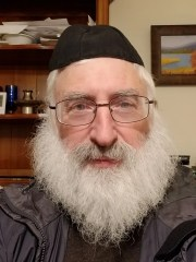 Rabbi David Shapero, who was also exposed to measles in the Yagdil Torah Congregation, did not cling to the virus.