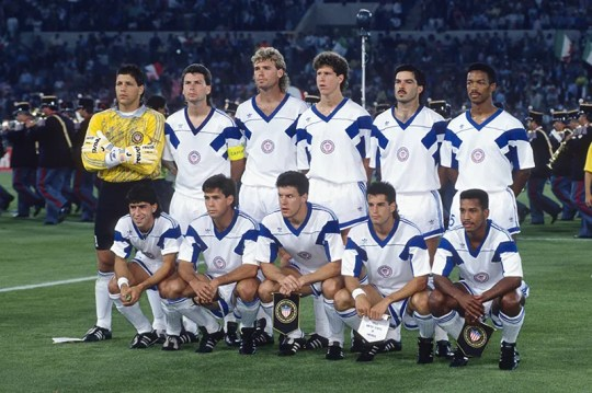 Jimmy Banks (first row, far right) prior to starting his first World Cup match on June 14, 1990 vs. Italy