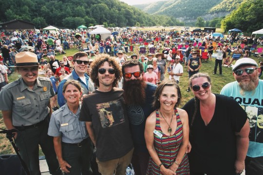 Radio band members send National Park to National Park Service staff, President Ginger Milan Buffalo, and more than 1,000 concert conductors at the 2018 show.