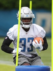 Lions going back Kerryon Johnson goes through drills during minicamp on Tuesday June 4, 2019, in Allen Park.