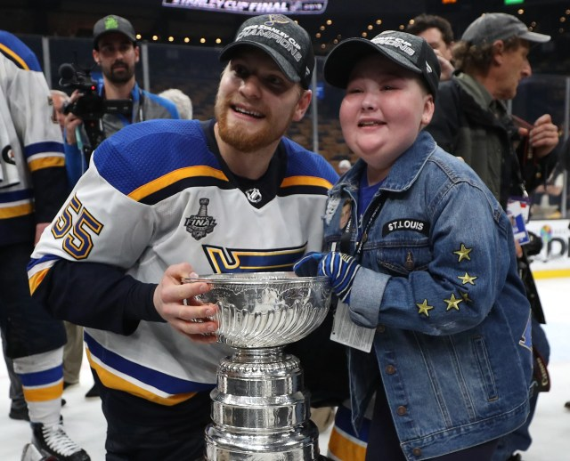 74efd7cb-a3d6-445a-b29b-c62947b5cc77-laila_anderson Laila Anderson, 11-year-old St. Louis Blues superfan, joins team in Stanley Cup celebration