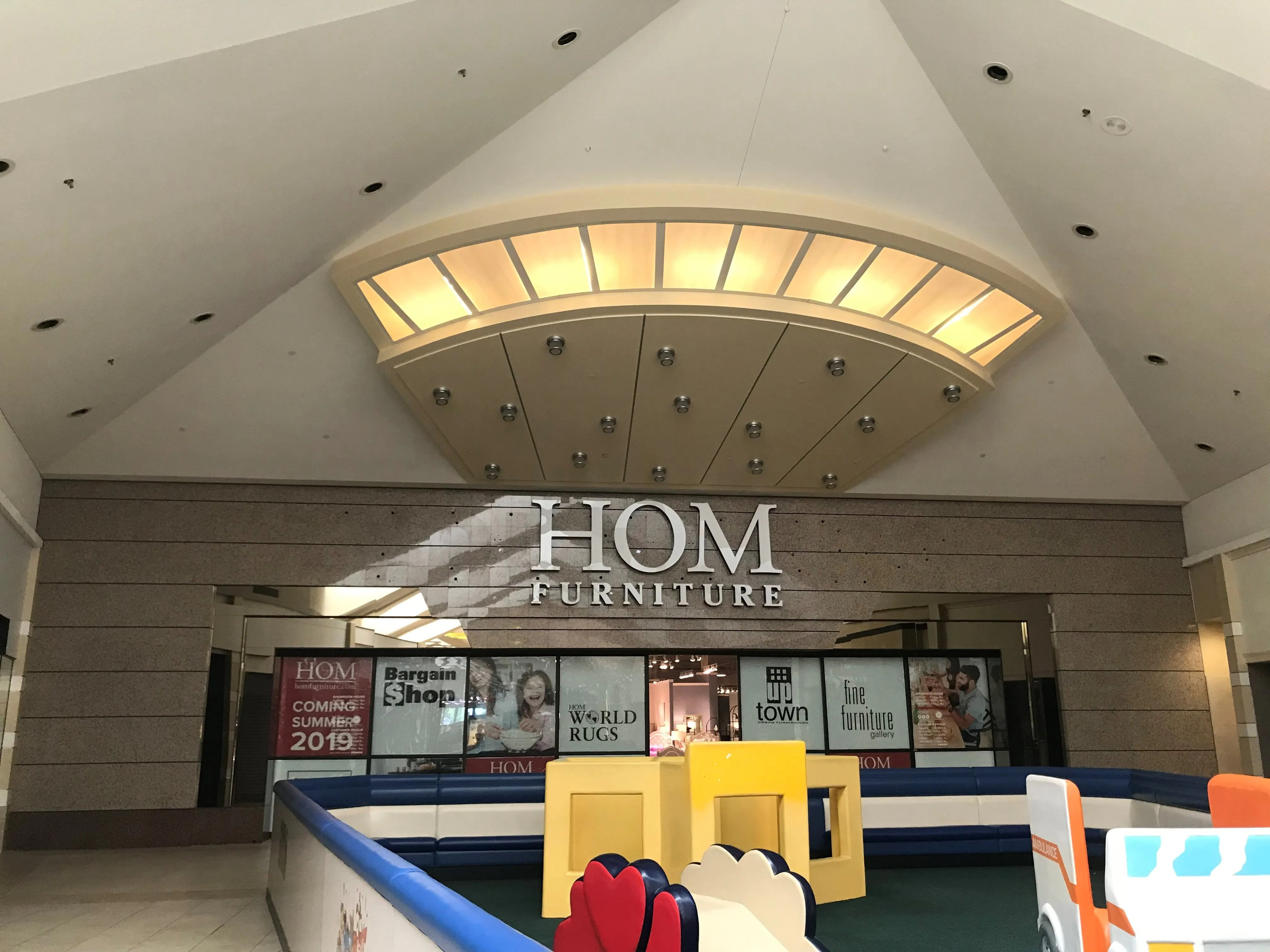 wausau center mall hom furniture opens