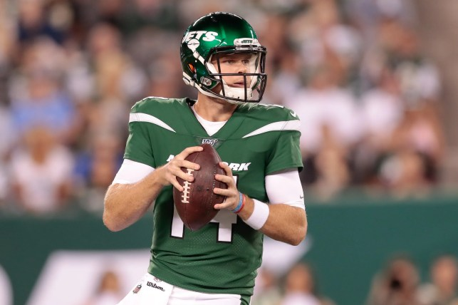 Jets QB Sam Darnold has mono, will miss Monday night game vs. Browns
