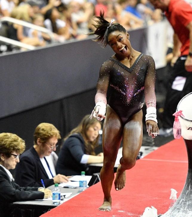 Simone Biles ties world gymnastics championships medal record after winning vault