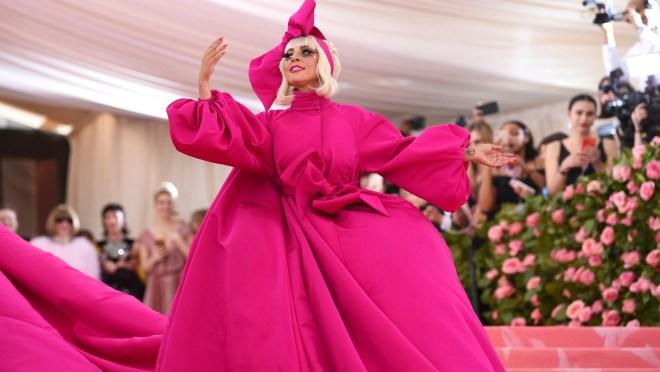 efc301a1 223d 43f5 8450 cc26fd1b1987 08 AP APTOPIX 2019 MET Museum Costume Institute Benefit Gala Met Gala's 10 best dressed: Rihanna is a mood; Billie Eilish, Megan Fox nail American theme