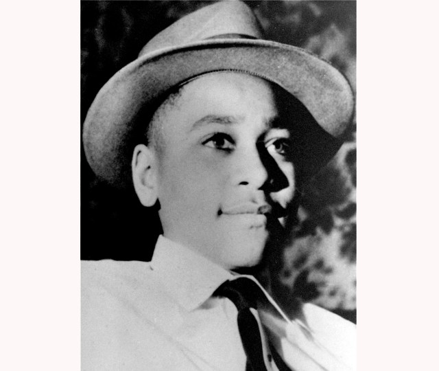 0b02eedd-cfca-4539-9cee-658b0888dabc-AP_Emmett_Till America has a 'gruesome' history of lynching, but it's not a federal crime. The House just voted to change that
