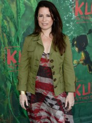 Actress Holly Marie Combs, who starred in the WB show
