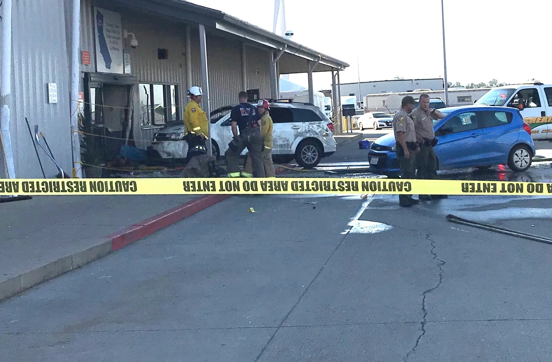 Photo of At least 2 people dead in shooting at California Walmart distribution center, authorities say