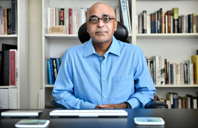K. Vish Viswanath, a health communication professor at Harvard and an independent advisor to the CDC, criticizes the federal government for failing to give local officials the guidance they needed to deal with those most vulnerable to COVID-19.