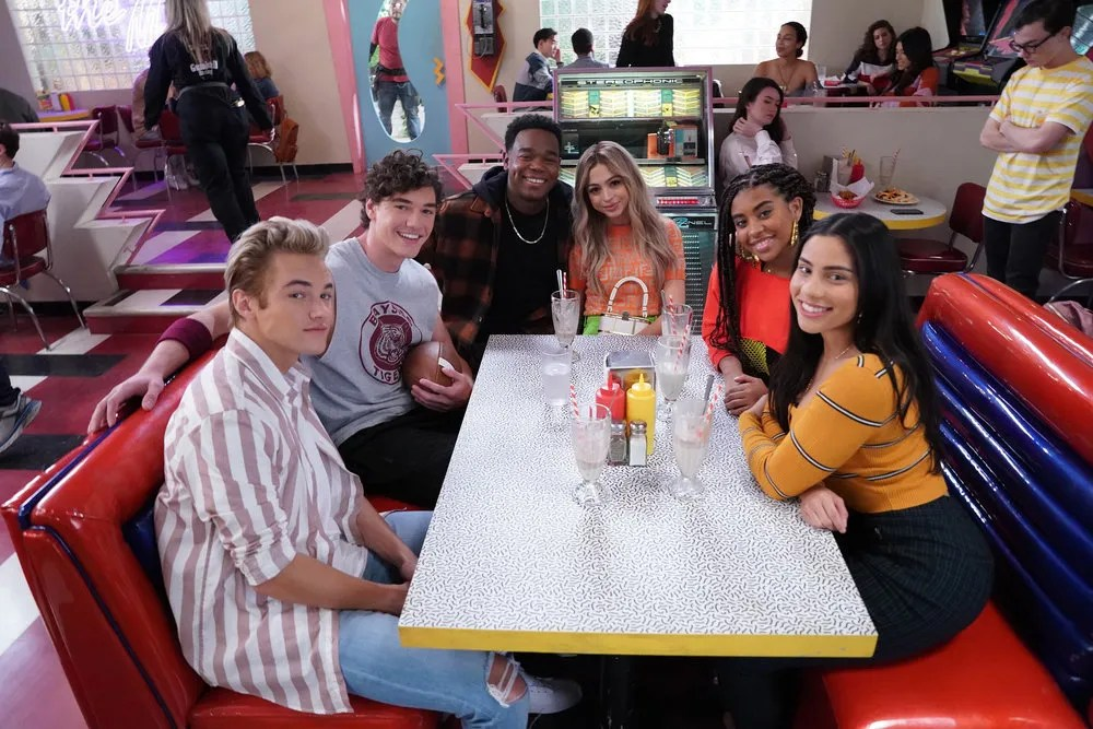Review: Clever 'Saved by the Bell' reboot is old school with new tricks